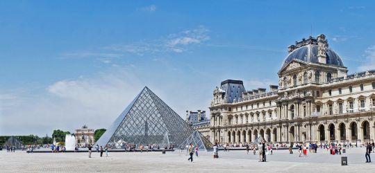 Paris - La pyramide du Louvre